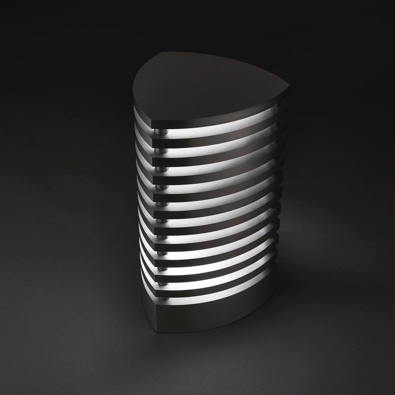 Trilene2 by mnima. Table light sculpted from solid aluminum. Modern. Minimal.
